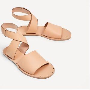 ZARA WOMEN Leather Flat Sandal Nude size 7.